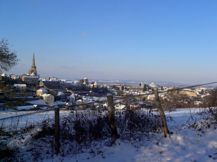 Autun sous la neige; 19 décembre 2009 Dscn0310