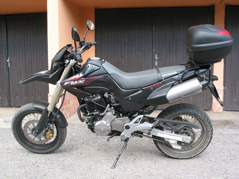 MOTOGALERIA NASICH FMX650 A PODOBNYCH MOTO. Fmx_rr11