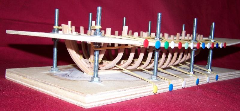 Le bateau de Lanvéoc 1/36 - modélisme d'arsenal,  - Page 4 100_5410