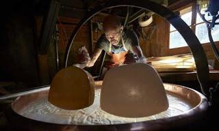 صور رائعة لكيفية صنع الجبنة السويسرية! 911