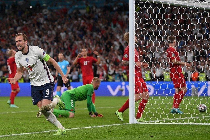 كِين يقود المنتخب الإنجليزي إلى نهائي كأس أوروبا للمرة الأولى في التاريخ Kane210
