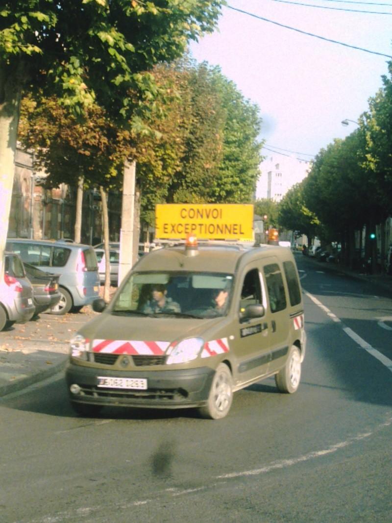 Renault Kangoo voiture ouvreuse de convoi exceptionnel Reims_11