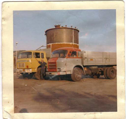 Des photos de camions bétaillères à moutons et d'autres photos de camions aussi conduit par Henry Elie . - Page 3 Slide_10