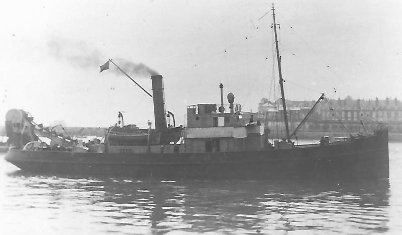 * TOURTEAU (1918/1946) * Remorq23