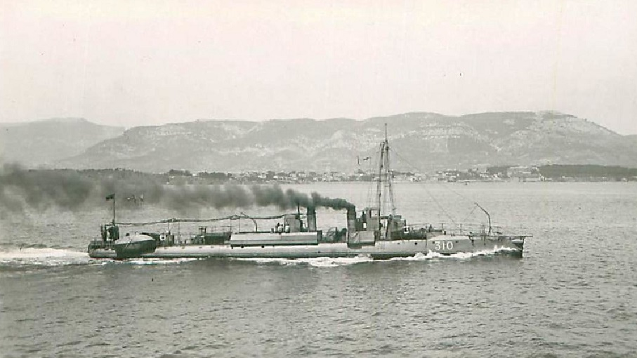 + TORPILLEUR 310 (1906/1925) + Torpi113