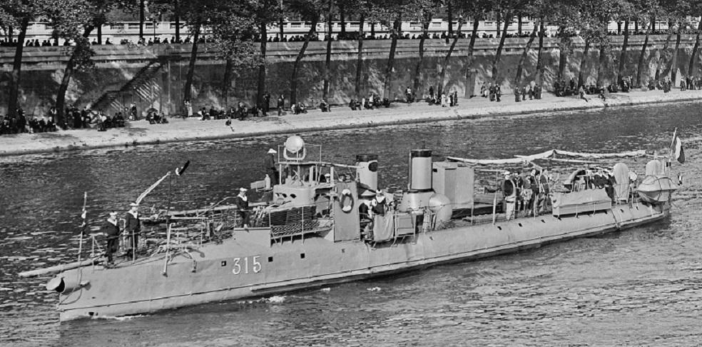 + TORPILLEUR 315 (1905/1933) + Torpi114