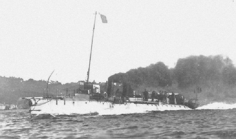 + TORPILLEUR 325 (1906/1919) + Torpi118