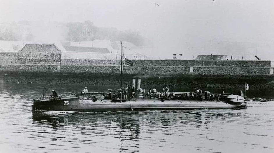 + TORPILLEUR 075 (1890/1903) + Torpil45