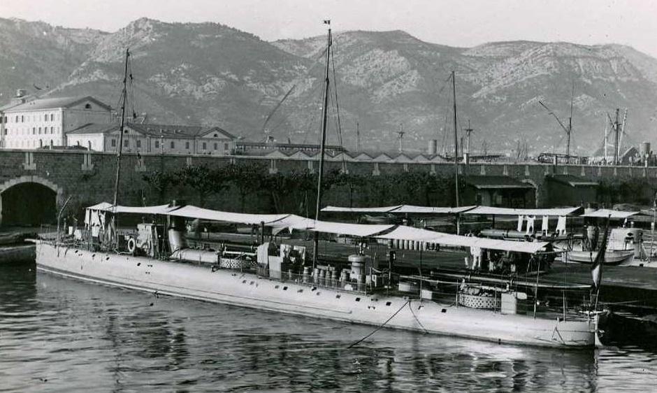 + TORPILLEUR 126 (1889/1908) + Torpil66