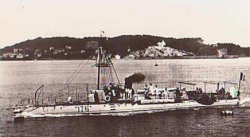 + TORPILLEUR 176 (1893/1910) + Torpil82