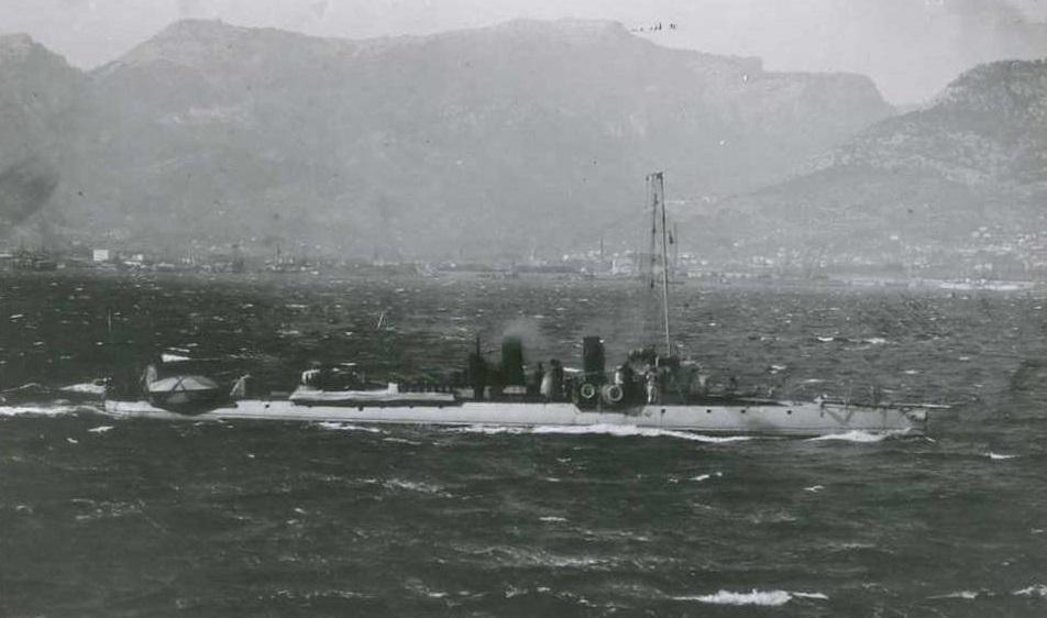 + TORPILLEUR 261 (1902/1913) + Torpil86