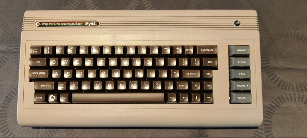 * COMMODORE C64 * LA ROLLS DES 8BIT ? - Page 28 Img_2026