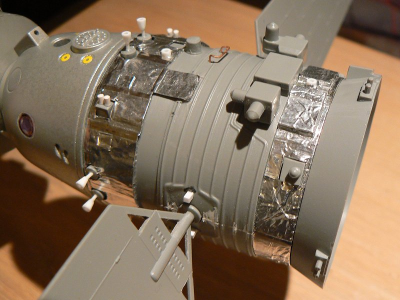 (Maquettes) Tiangong 1 - Shenzhou 9 P1220810