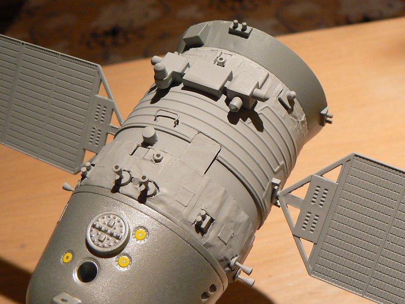 (Maquettes) Tiangong 1 - Shenzhou 9 P1220811
