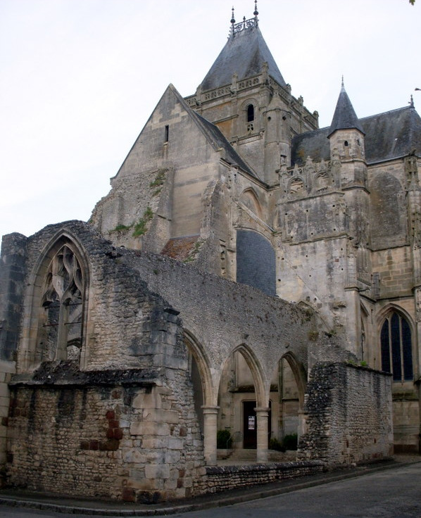 Énigme 178 - l'Eglise Notre Dame d'Écouché Sdc10210