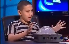 منندي العلماء الصغار يكتبون Young Scientists
