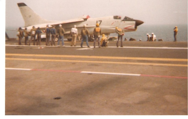 VOUGHT F-8 CRUSADER  - Page 3 Cata110