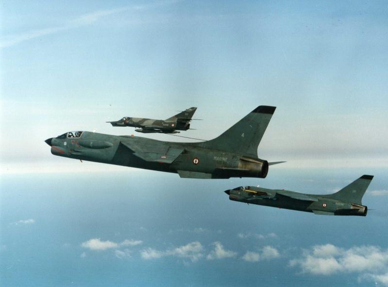 VOUGHT F-8 CRUSADER  - Page 3 Ravita10
