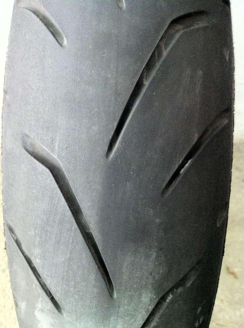 VDS pneu AV Bridgestone S20  120/70/17 Img_3010
