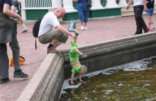 Cách chăm con của các bố Ba1110