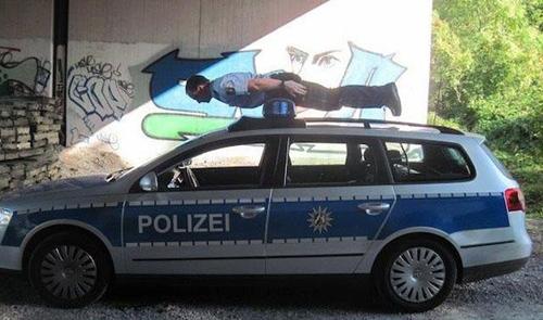 Chiện... cảnh sát Cop1110