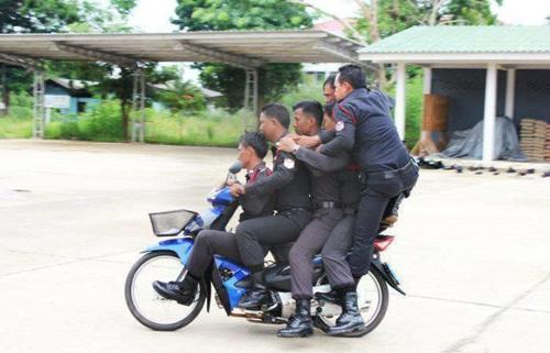 Chiện... cảnh sát Cop1210