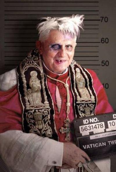 Rions ( ou plutôt pleurons...) avec nos popes con-ciliaires ! - Page 4 38f83d10
