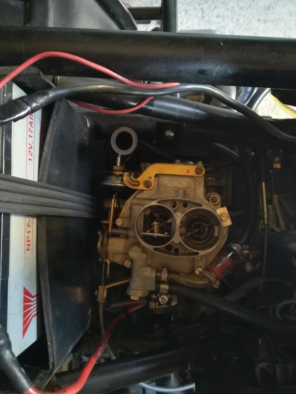 le flat-four en mono-carburateur !!! Img_2091