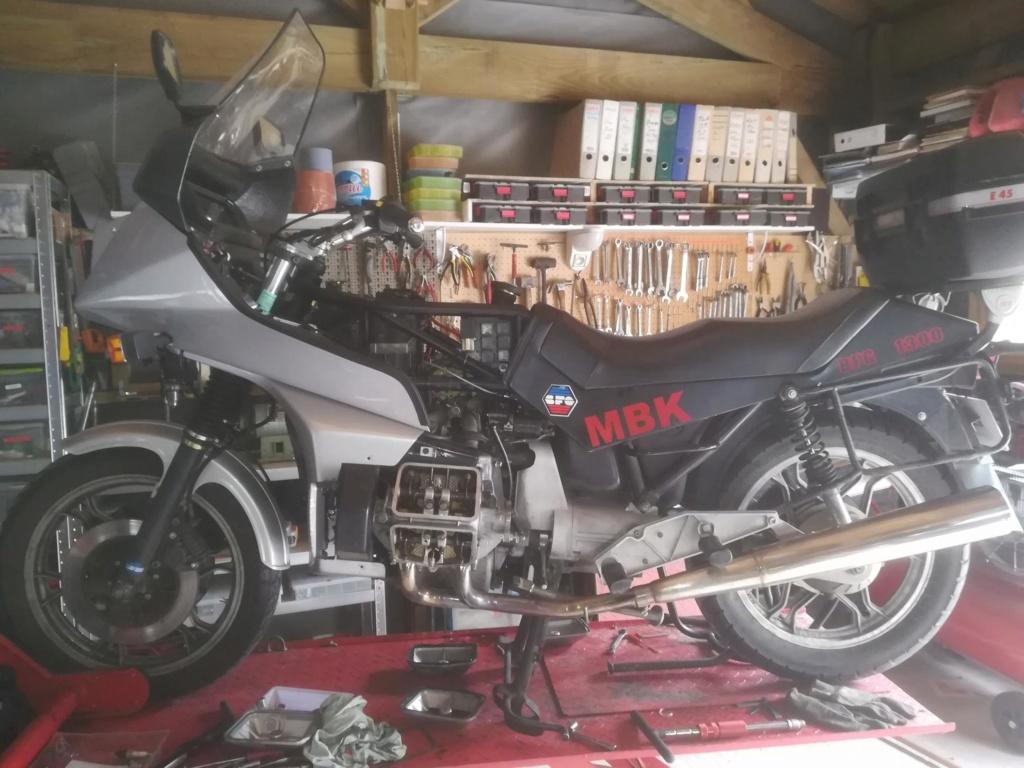 le flat-four en mono-carburateur !!! Img_2092