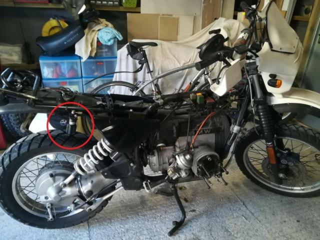 Qui a déjà roulé avec le réglage hydraulique déconnecté de l'amortisseur ?  Img_2347