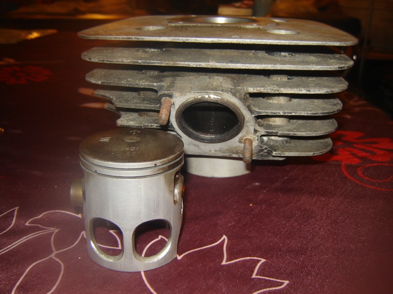 tarif cylindre/piston/segments occas Dsc00112