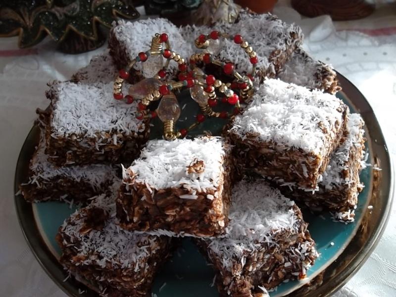 Carrés flocons d'avoine, amande, chocolat et noix de coco Sam_0810