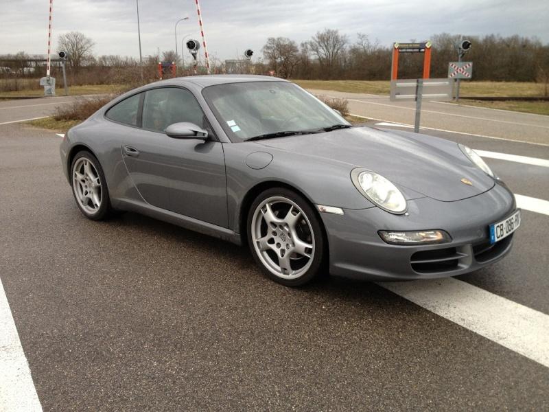 Porsche 997 carrera 325 cv du 21 06 2005, 63500kms gris kerguelen  Img_1112