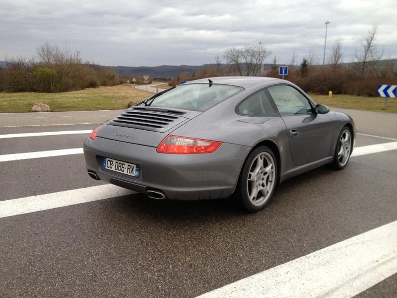 Porsche 997 carrera 325 cv du 21 06 2005, 63500kms gris kerguelen  Img_1113