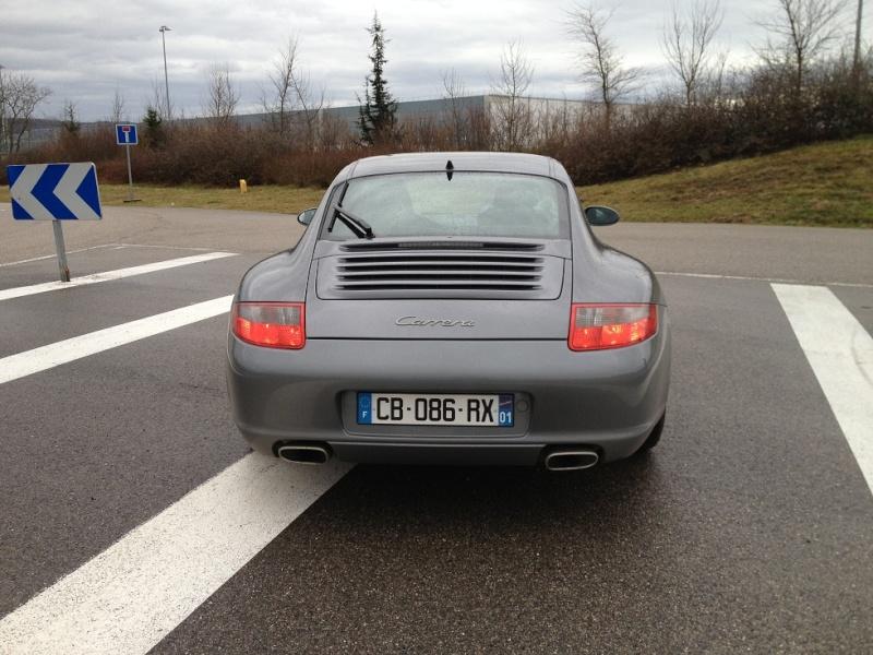 Porsche 997 carrera 325 cv du 21 06 2005, 63500kms gris kerguelen  Img_1114