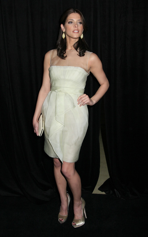 The 9th Annual Awards Season Diamond Fashion Show Preview (14 janvier 2010) 02106010