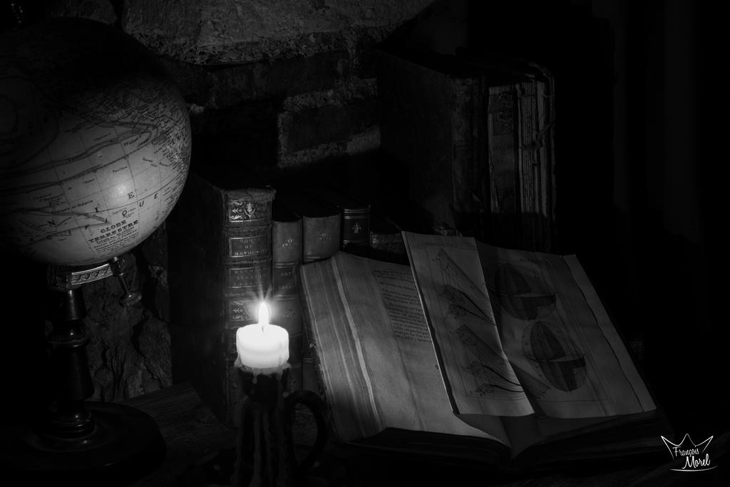 [Noir_et_Blanc] A la bougie Dsc_5811
