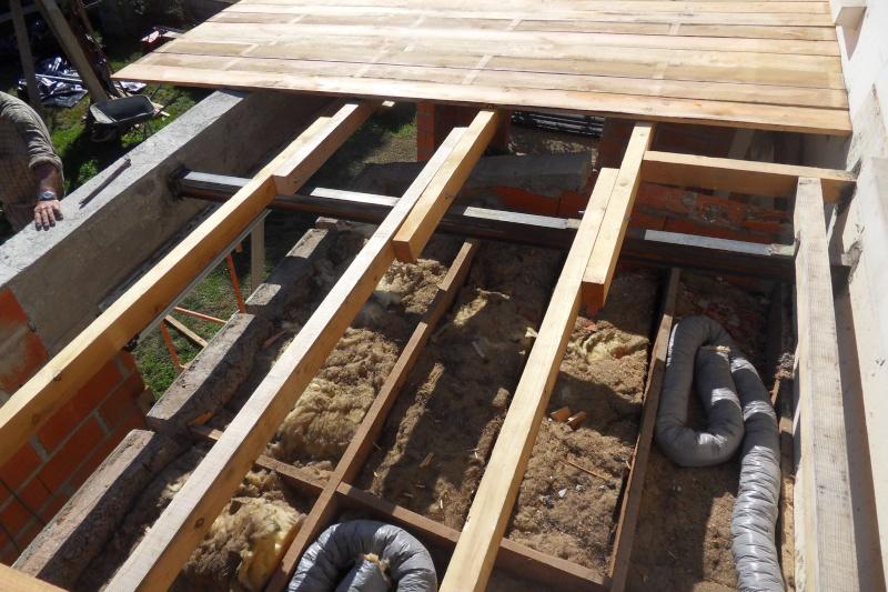 Création d'un extension pour inclure la terrasse dans la maison Sdc15612