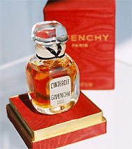 WHAT IS YOUR FAVORITE PERFUME? Givenc10