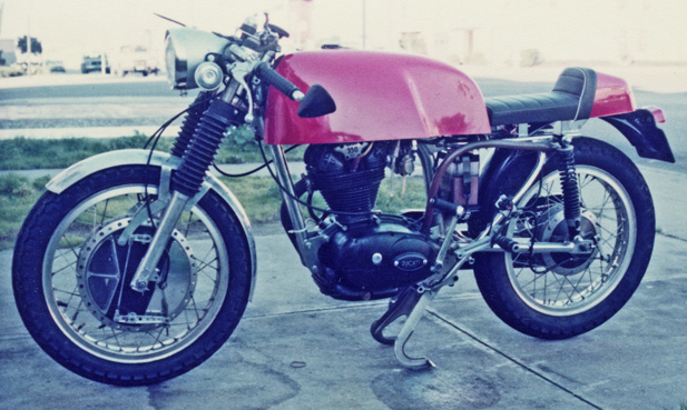 Ici on balance les Monos Ducati - Page 5 My35010