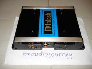 McIntosh MCC82 2x40W power amp (Used) Dsc00112