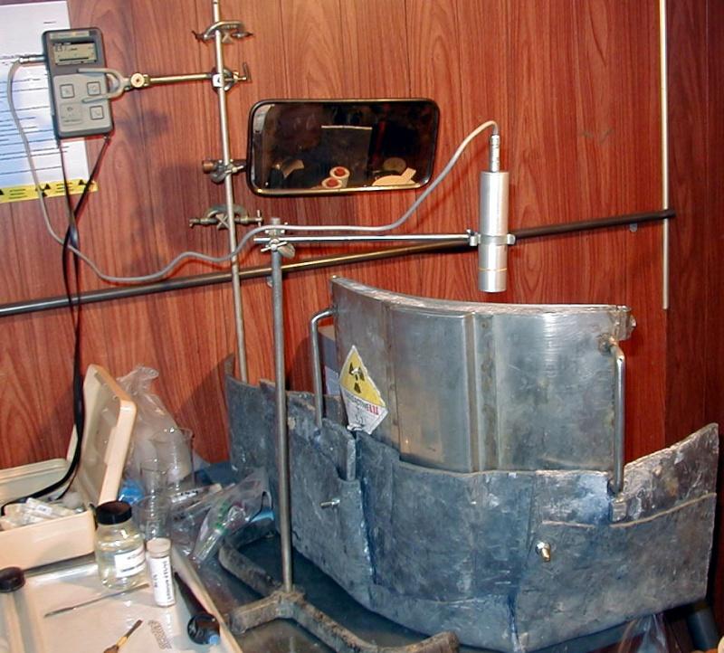 Utilisation d'un tablier de plomb en INB P1010015