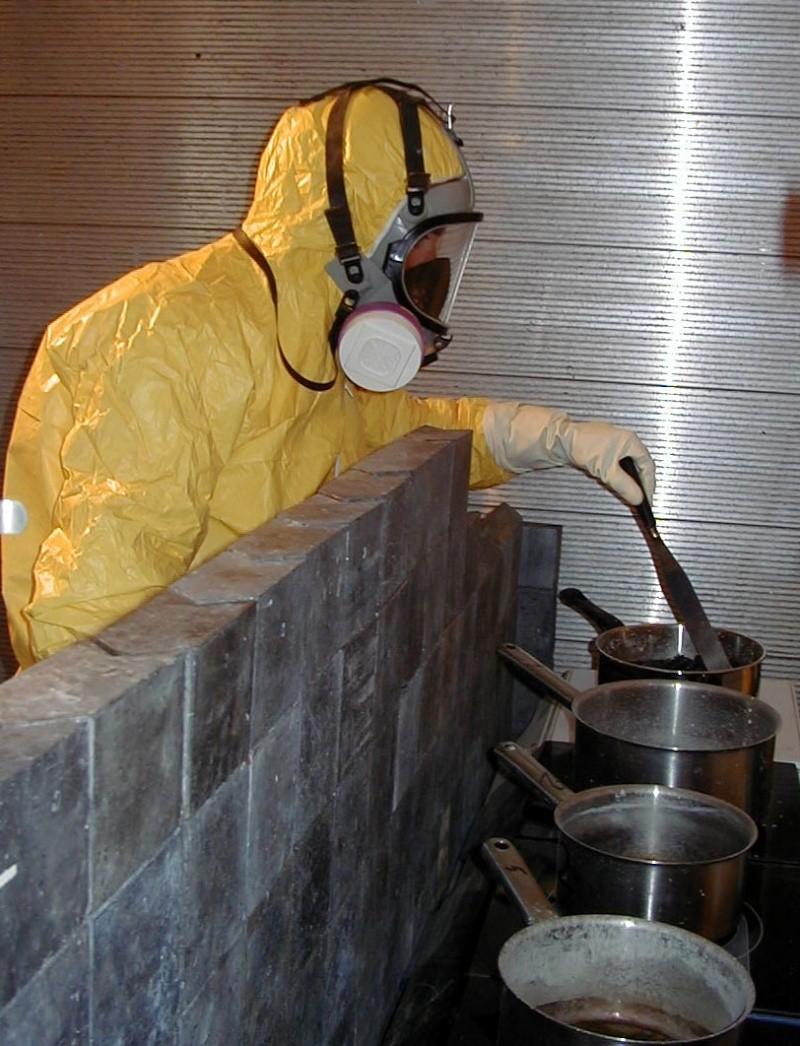 Utilisation d'un tablier de plomb en INB P1010016