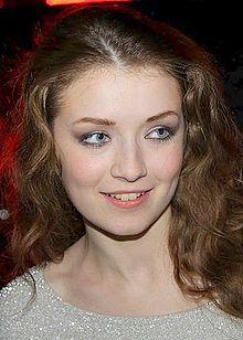Sarah Bolger : Aurore (saison 2) 220px-20