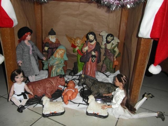 THEME DU MOIS DE DECEMBRE 2012 : NOEL, FETES DE FIN D'ANNEE - Page 2 Sam_5211