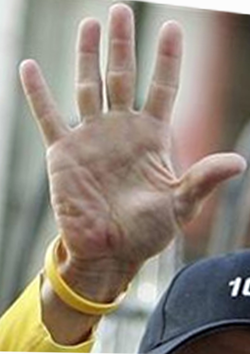 Lance Armstrong - 7x Tour de France Winner (= largest sports fraud ever?) Lance-10