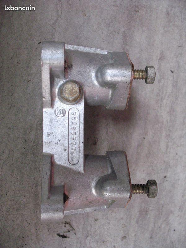 Vente de pièces détachées exclusivement de R15 R17 - Page 8 52d40f10