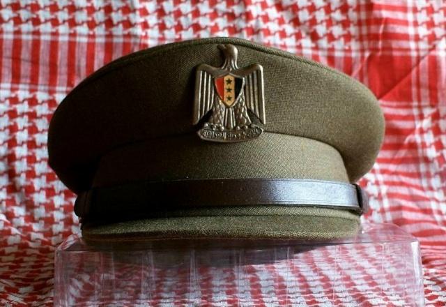 Prises de Guerre/House of SADDAM : Les coiffes de service Irak010