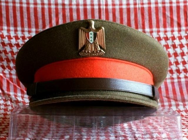 Prises de Guerre/House of SADDAM : Les coiffes de service Irak210