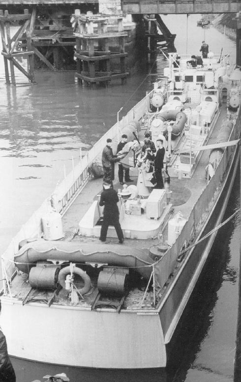 Schnellboot  ( Vedettes lance-torpilles) - Page 9 Longvi10